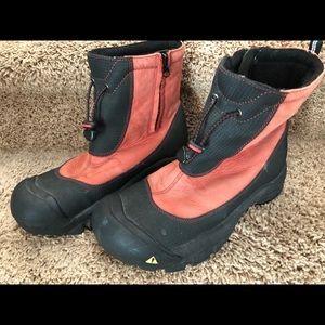 Keen Waterproof Coral/Black ZIP Boots Size 9 Nice